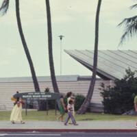 Waikiki Beach Center 189kb.jpg