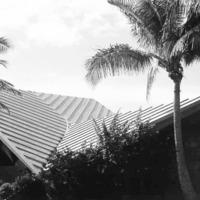 Waikiki Beach Center 78 kb.jpg