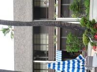 Hawaiiana Hotel (1).JPG